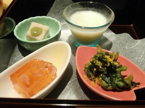 護摩豆腐木の芽味噌、アスパラポタージュ、菜花のからし和え、桜海老ゼリーよせ