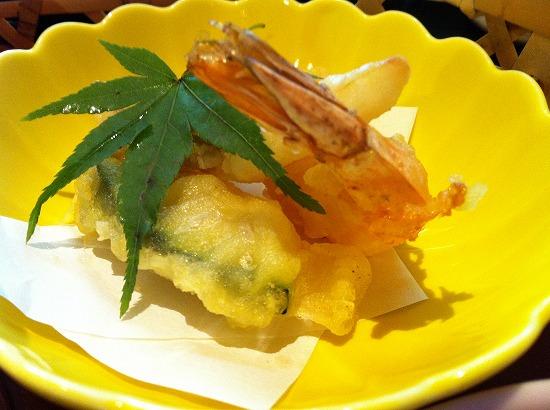天ぷら盛は、海老、カボチャなどで、ホクホクでした。