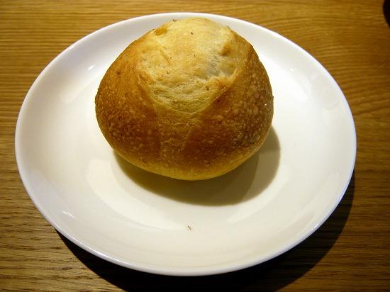 自家製パンです。