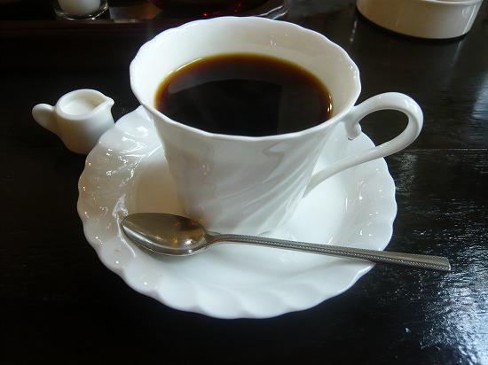 苦み、甘みが程よいおいしさ、トーテムオリジナル、トーテムブレンドコーヒー420円。