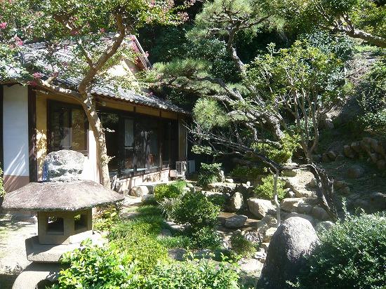 素晴らしい日本庭園があります。