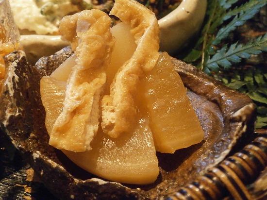 大根とオアゲの煮物