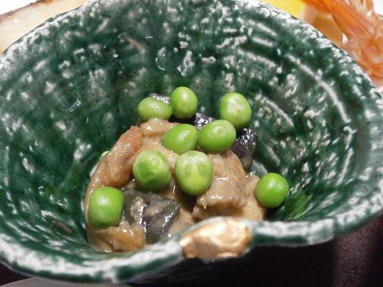 グリンピースの小鉢です。