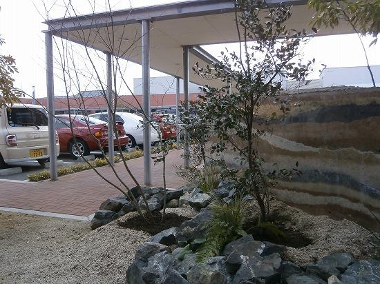 外の駐車場