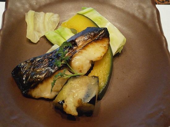 選べる味噌漬け焼の魚です。 鰆でしょうか?