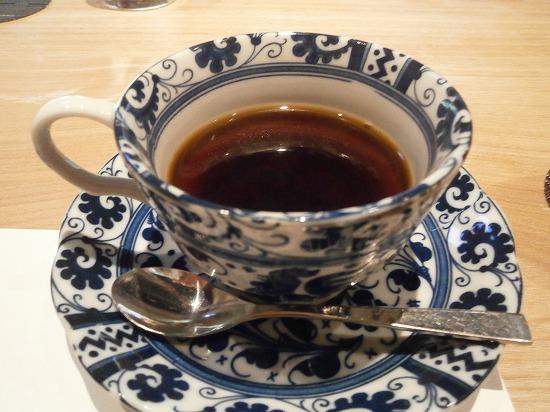 コーヒー茶碗も一客ずつ違っていました。