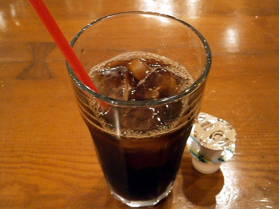 アイスコーヒーのストローも赤です~(^ー^* )フフ♪