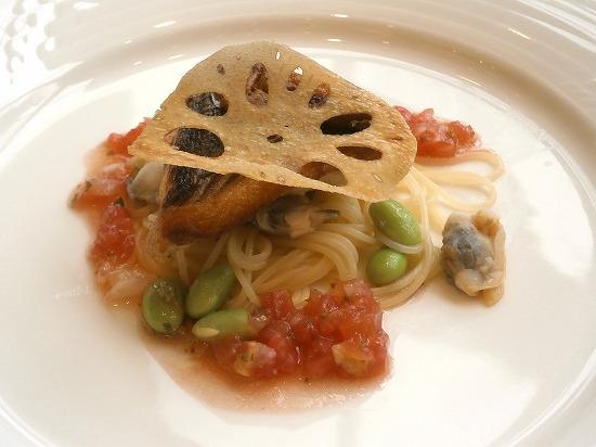 イサキのオリーブオイル焼き フレッシュハーブのピカントソース