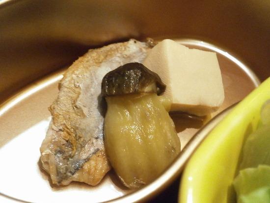 お魚とナス、高野豆腐の煮物。