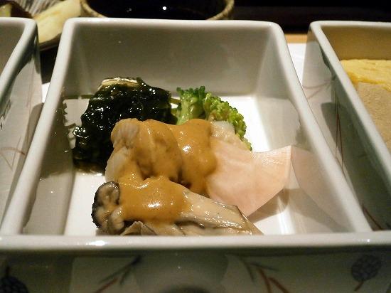 酢の物は牡蠣とブロッコリーその他でした。