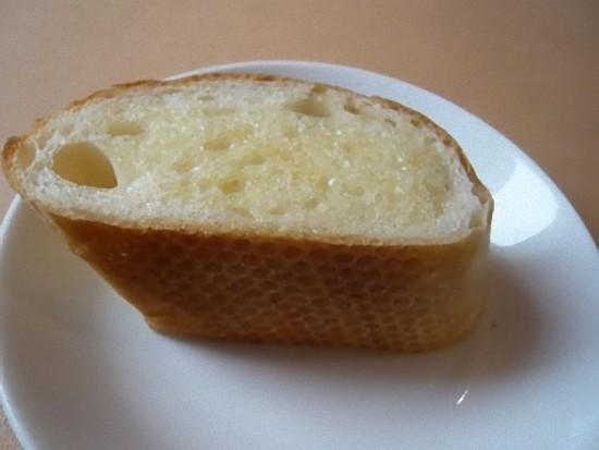「ロマーノランチ」1470円に付いているパンです。