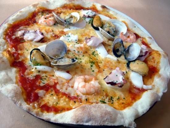 「ロマーノランチ」のピッツァです。 シーフードですね。