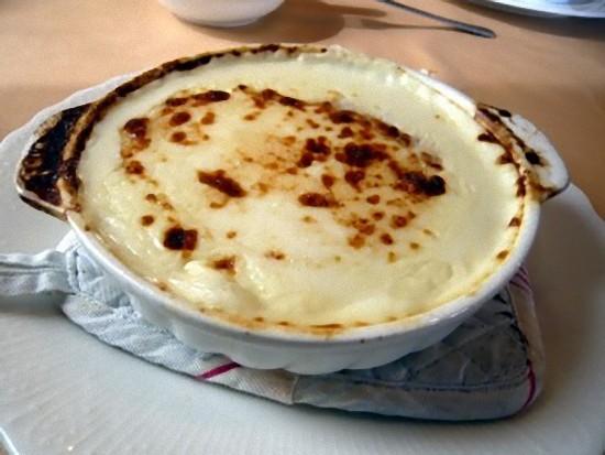 「ドリアランチ」1050円の、ミートドリアです。 ご飯が味付けしてあって、美味しかったですよ。