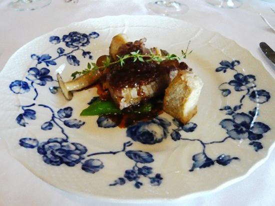フィレ肉の炭火焼 季節の野菜添え シャリオピンソース
