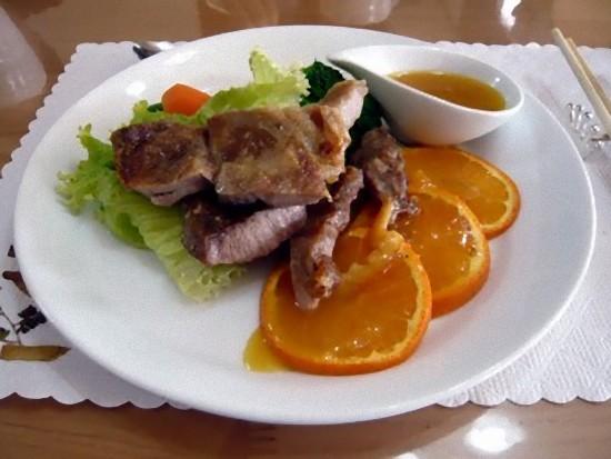 Aコース1350円のお肉のコース
