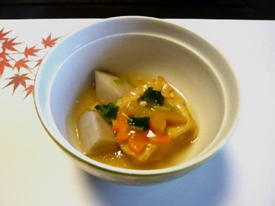 「竹コース」の揚げ出し豆腐と里芋の煮付けです。