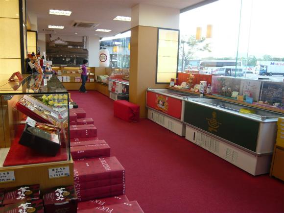 龍野西SAのショッピングコーナー