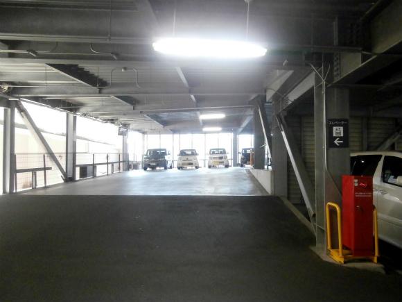 市営霞駐車場
