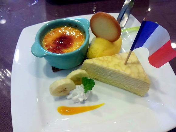 デザートはミルクレープとブリュレとオレンジシャーベット