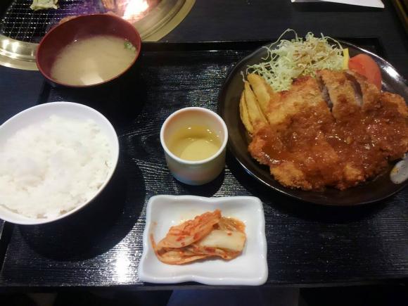 豚ロースカツ定食(デミソース)