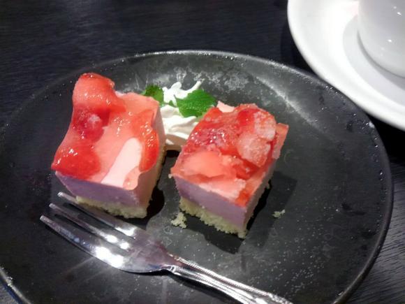 ストロベリーアイスケーキ