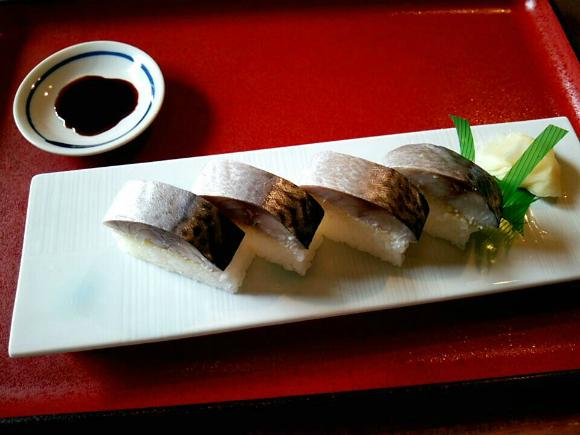 鯖寿司1/2本