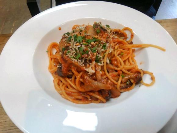 尾道のシラスと茸とトマトのスパゲティ