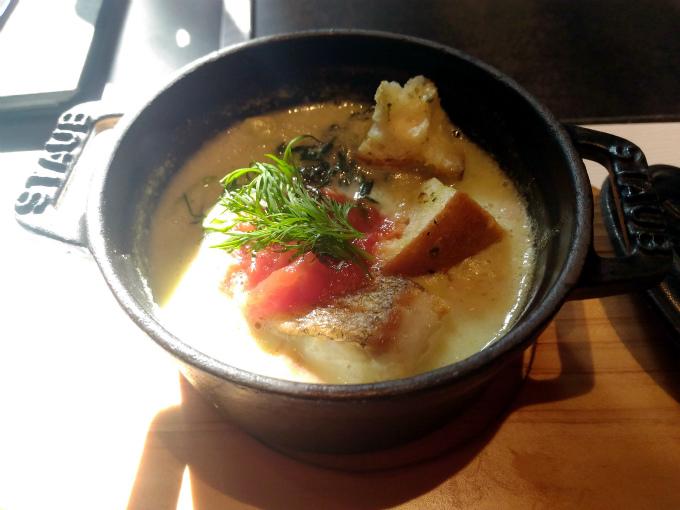 鮮魚と季節野菜のココット焼き