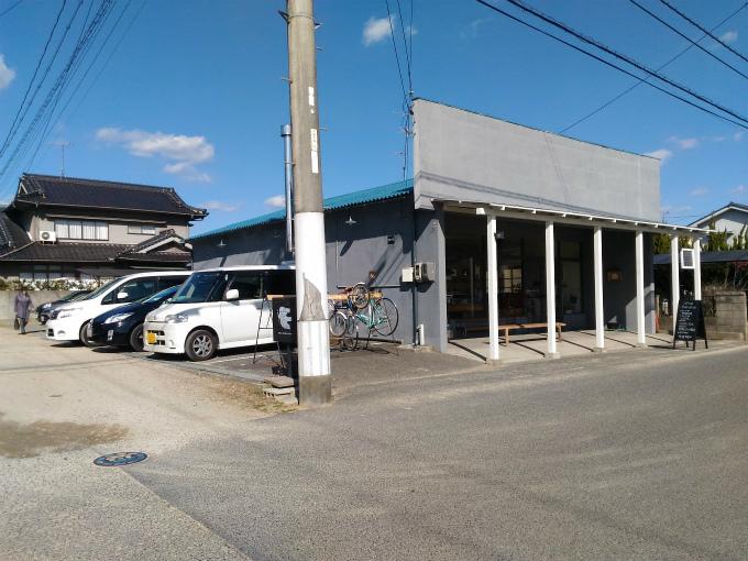 スモール フォレスト コーヒー 駐車場