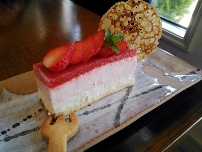 井原産いちごのレアチーズケーキ