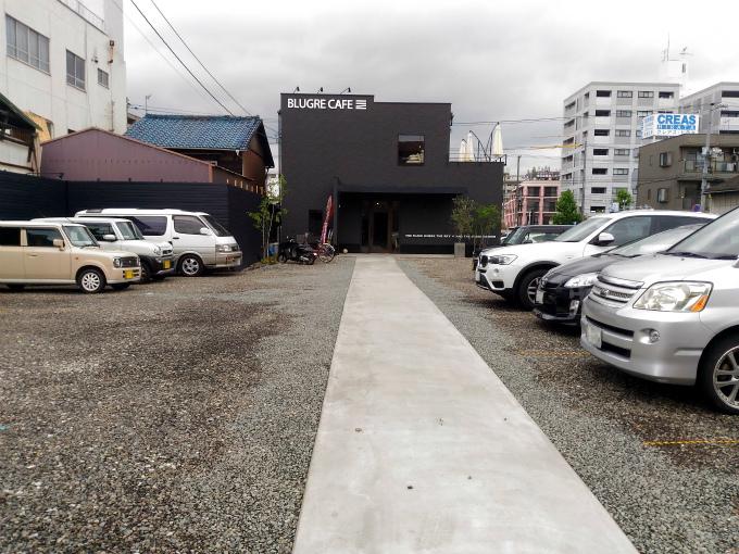 BLUGRE CAFE(ブルグリカフェ)駐車場