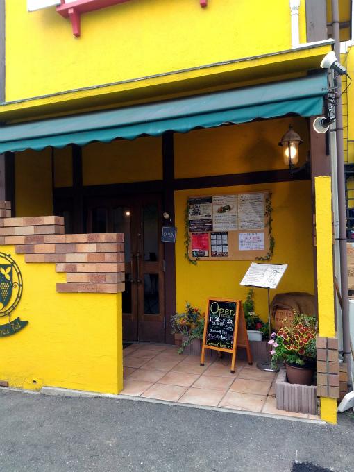 シェフの個室レストラン コム・シェ・トワ エントランス
