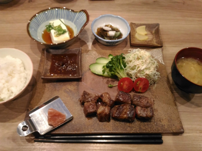 吉備牛サイコロステーキ定食