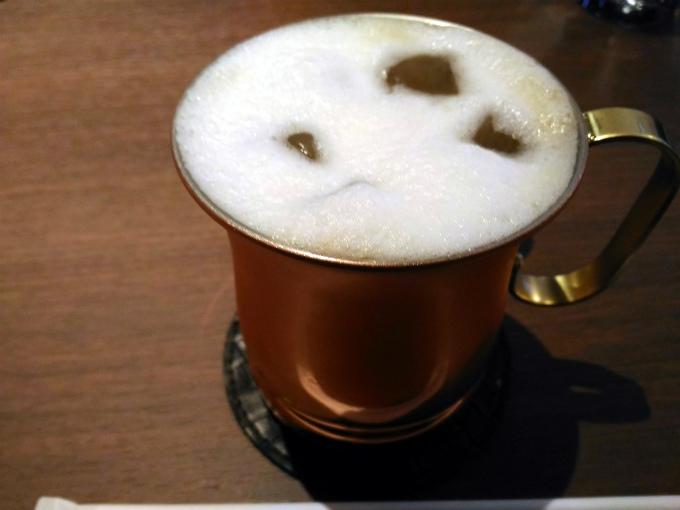 本日の注文は、「アイス カフェ・ラテ」450円(税込)です。