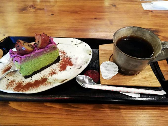 紫色モンブラン・抹茶のレアチーズタルト