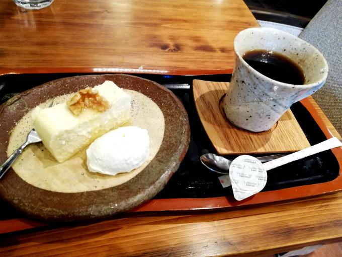 ゴルゴンゾーラチーズケーキ、コーヒー付き