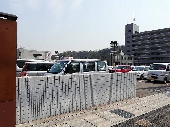 パチンコ屋さんの駐車場