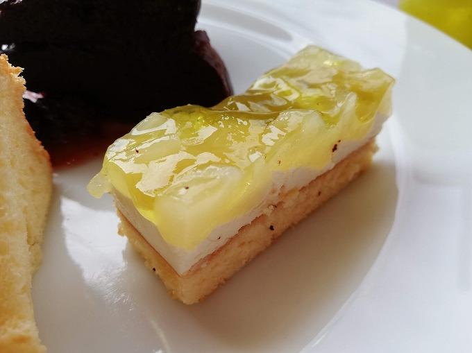 マンゴ&パインのムースケーキ