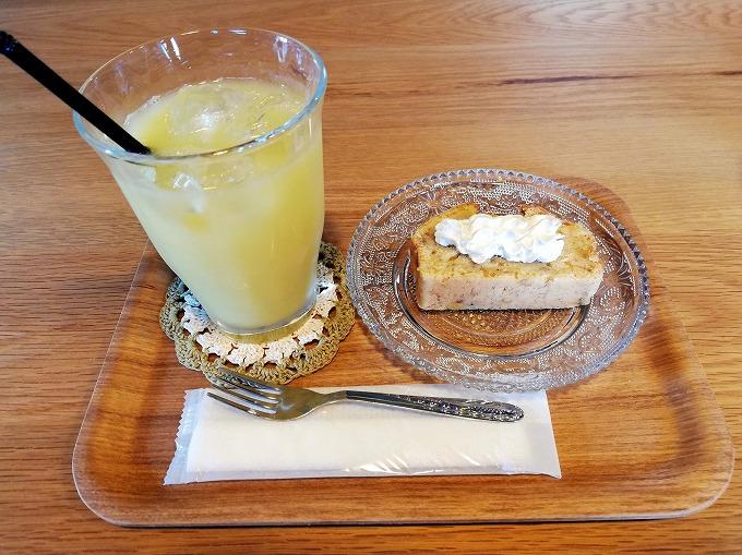 オレンジジュース&バナナケーキ
