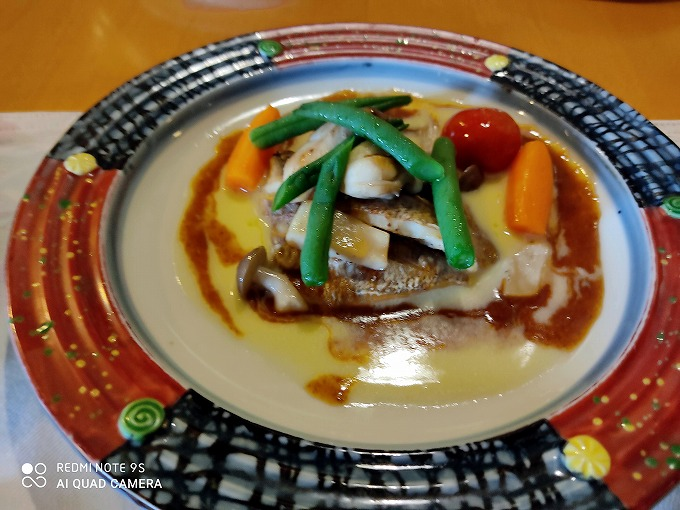 「鯛のソテー バターソース」