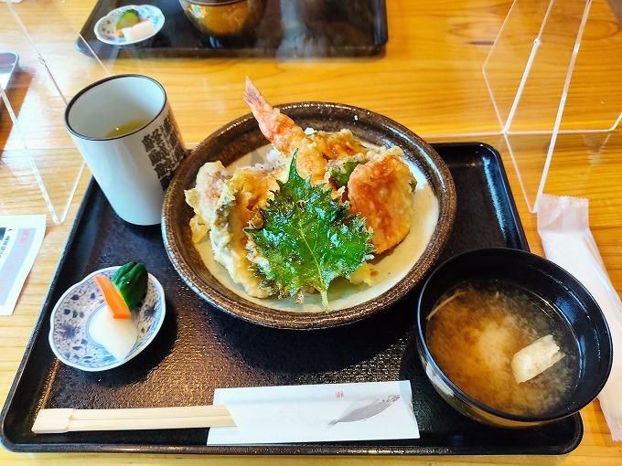 大えび!!野菜たっぷり!!バカ天丼